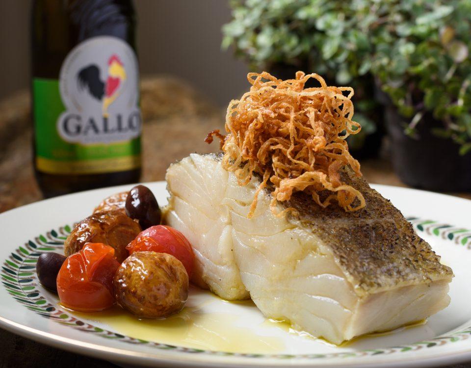 bacalhau-confitado-no-azeite-gallo-extra-virgem-suave-por-arroz-de-festa_lucas-terribili-10