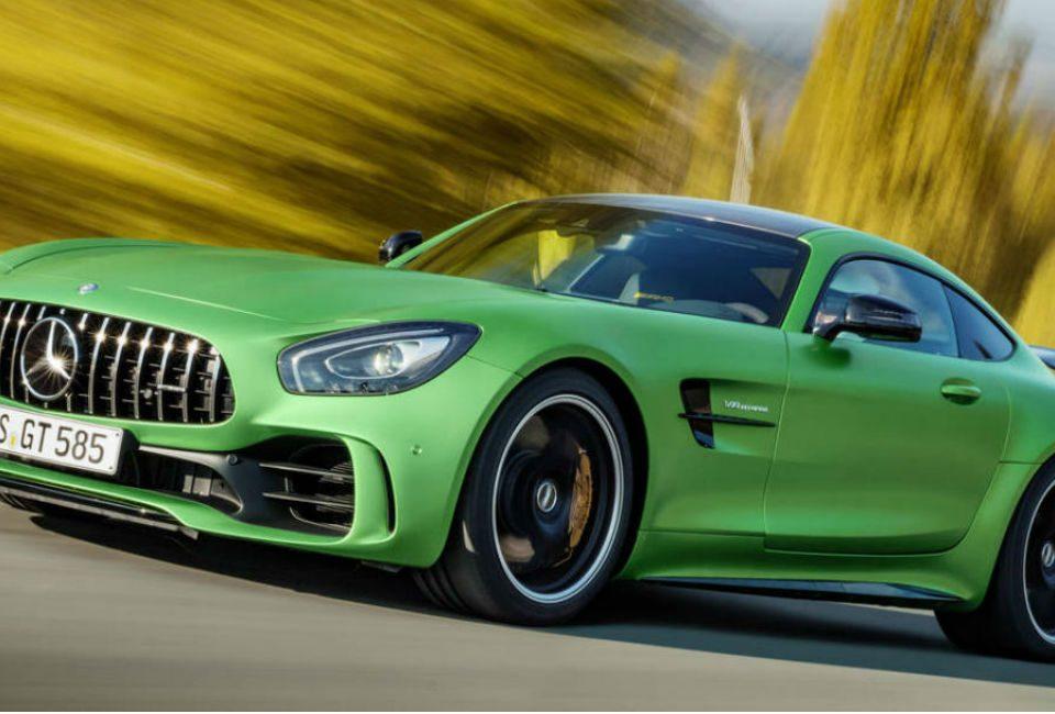 Mercedes_abre